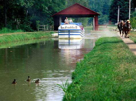 metamora canal boat ride horse drawn canal boat metamora indiana jpg