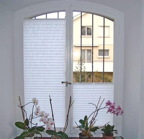 Jalousien F R Fensterrahmen 2028 by Fenster Plissee Raum Und M 246 Beldesign Inspiration