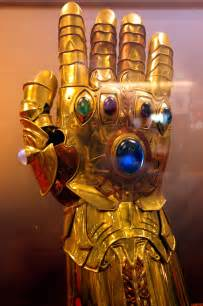 Marvel Infinity Gauntlet Does Age Of Ultron Reveal Two Infinity Gauntlets