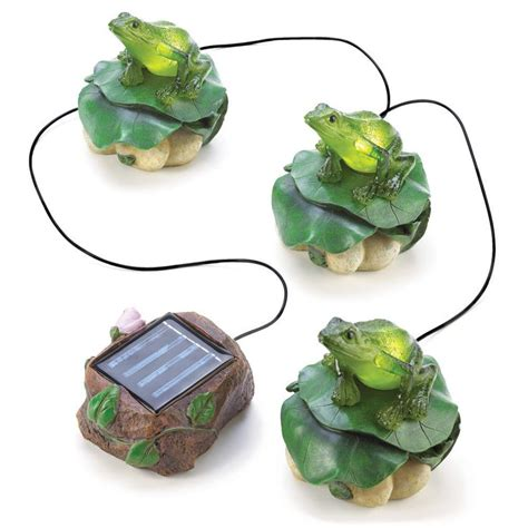 home locomotion 10013224 solar frog trio garden decor