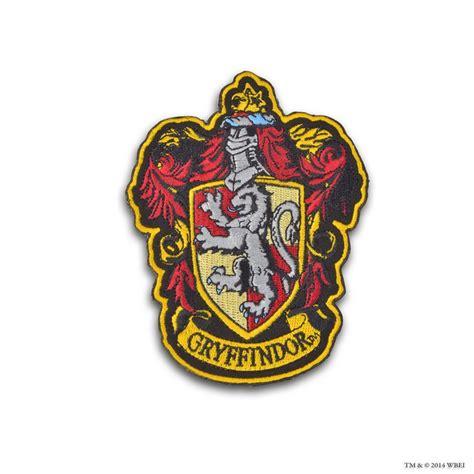 printable hogwarts house badges printable gryffindor crest www imgkid com the image