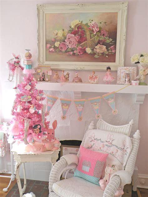 cinnamon rose cottage aqua and pink christmas decor