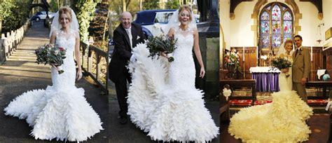 Gaun Pengantin Angsa butuh 200 jam buat menjahit gaun pengantin dari bulu angsa ini kabar berita artikel