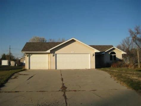 6810 17th ave nw minot nd 58703 foreclosed home