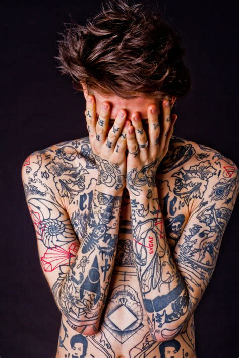 sexy tattooed guys guys with tattoos on