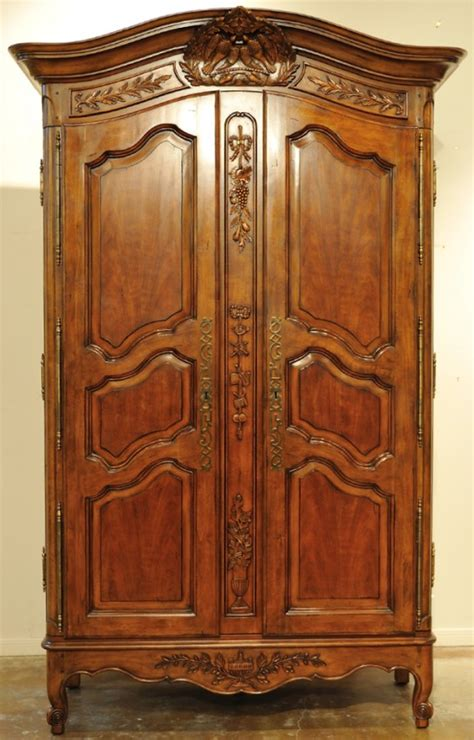 Drexel Armoire by 91 A Drexel Heritage Walnut Tv Entertainment Armoire Lot 91