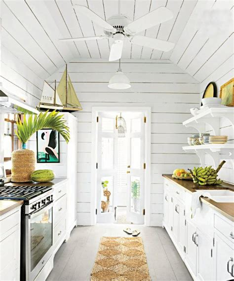 beach house kitchen ideas best 25 beach house kitchens ideas on pinterest beach