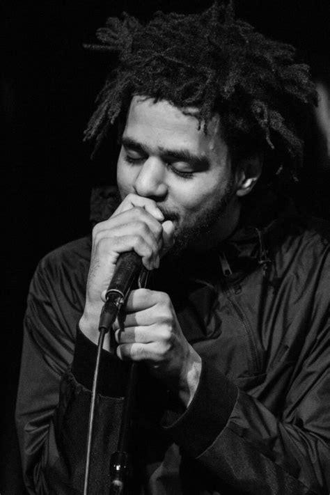 rapper j cole visits bob marley s studio for inspiration 17 best images about jcole is bae on pinterest hip hop
