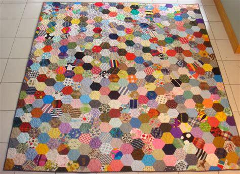 Hexagon Patchwork - charm quilt ufocoach