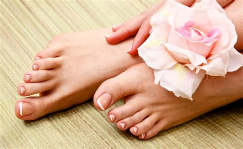 how to give yourself a pedicure at home follow this step