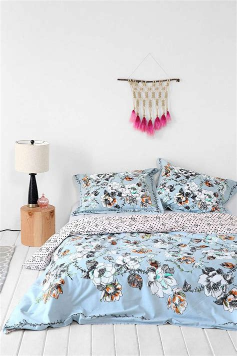 7 Gorgeous Duvets From Outfitters by Outfitters Ropa De Cama And Arte Colgante On