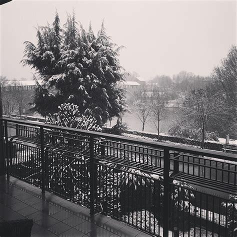 neve a pavia maltempo lombardia nevica a pavia disagi per il traffico