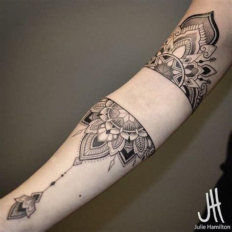 tattoo mandala unterarm best 25 half mandala tattoo ideas on pinterest ankle