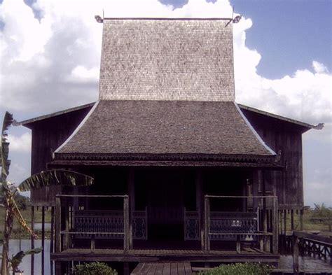 rumah bubungan tinggi wikipedia bahasa indonesia