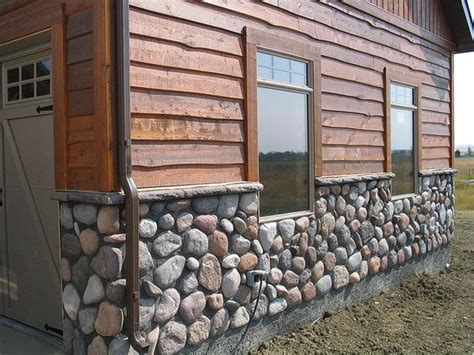 house rock siding cedar siding with river rock homes house exteriors pinterest cedar siding river