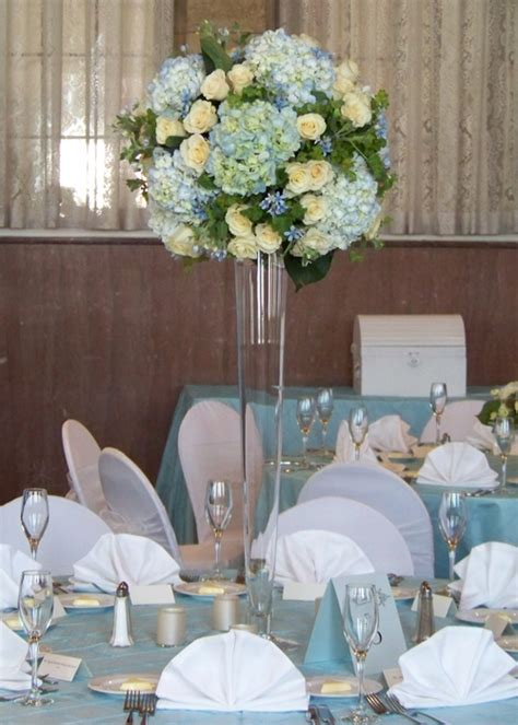 wedding centerpieces with hydrangeas erin and s wedding in plymouth michigan hydrangea centerpieces and wedding