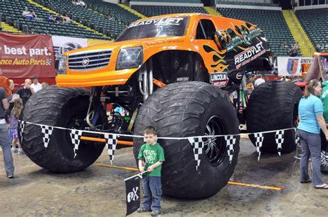monster truck show dayton ohio dayton ohio monster jam march 17 2012 2pm show