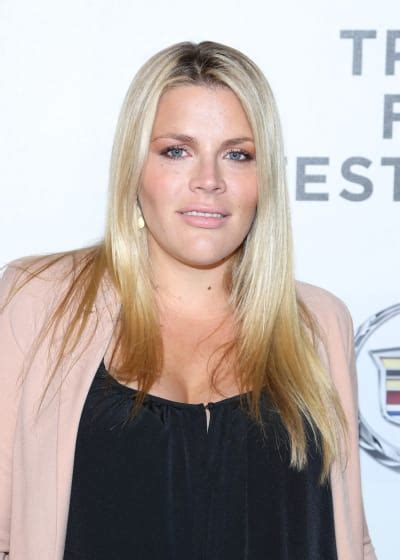 do older women loose there pubic hair busy philipps why i stopped waxing my pubic hair the