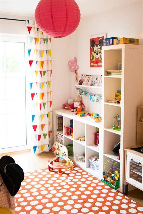 kinderzimmer einrichten dachschräge regale ikea kinderzimmer gestalten