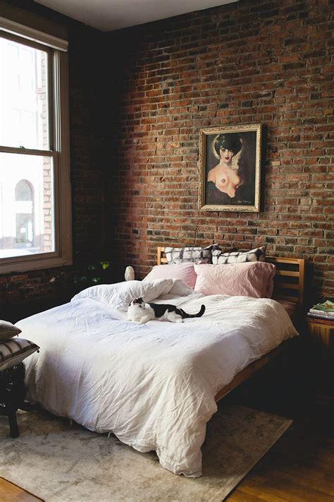 Brick Wall Bedroom by Best 25 Exposed Brick Bedroom Ideas On Brick