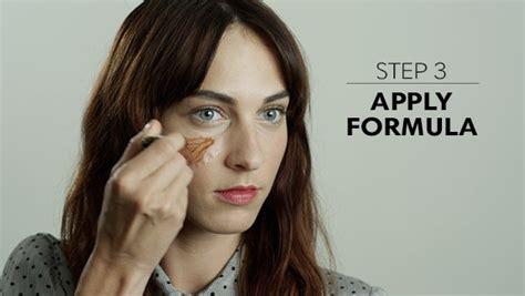 temporary tattoo freckles trend u šminkanju lažne pege kremašica