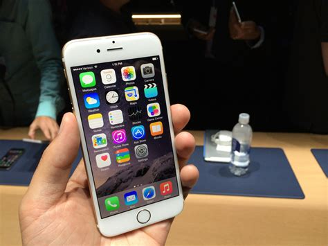 iphone on sale apple store crashes as iphone 6 goes on sale business insider
