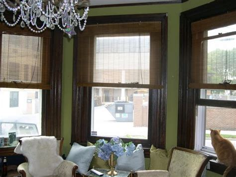 trim with green wall paint colors