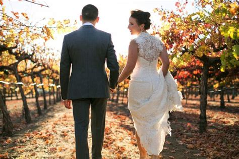 Sawa Cople Linen Marbel Buble Pop Busui modern organic wine country barn wedding wine country