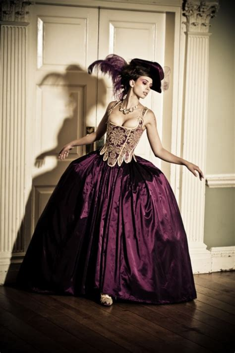 Creative Steampunk Wedding Dresses that are unique and fun.   Snappy Pixels