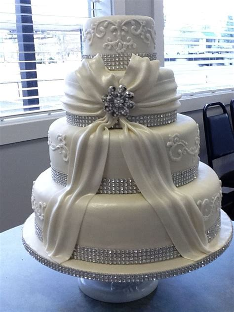 omg bling wedding cakes in 2019 bling wedding cakes wedding cake decorations cake