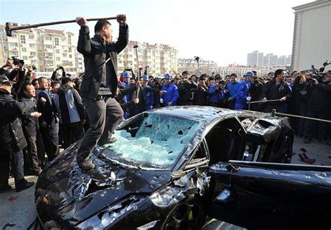 Lamborghini Destroyed Lamborghini Gallardo Destroyed By Hammer In China 4