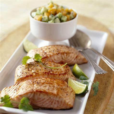 cuisine saumon pav 233 de saumon recettes vid 233 os et dossiers sur pav 233 de