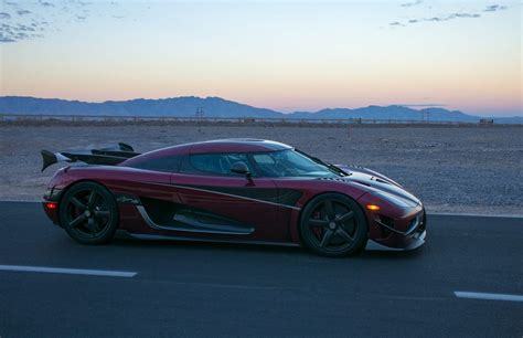 koenigsegg agera koenigsegg agera rs sets top speed record fastest car