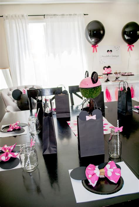 diy minnie mouse room decor 100 minnie mouse room diy decor cheap bedroom decorating ideas mickey and minnie mouse wallpaper