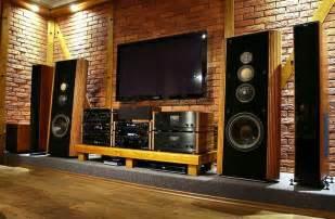 nice listening room   kappa     younger