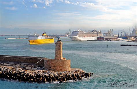 porto 2000 livorno livorno ha il nuovo terminal cruise pazzo per il mare