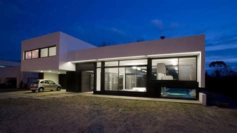 modern black and white house design grand bell house by andres remy arquitectos keribrownhomes