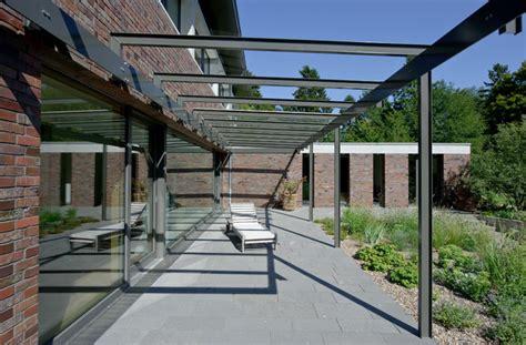 Veranda Mit Balkon by Gr 246 223 Z 252 Giges Einfamilienhaus Mit Schwebendem Dach Und