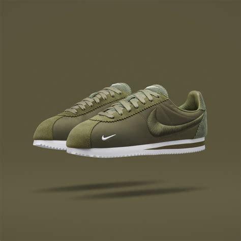 Sepatu Nike Cortez Black Textile bill bowerman and the birth of visible innovation nike news