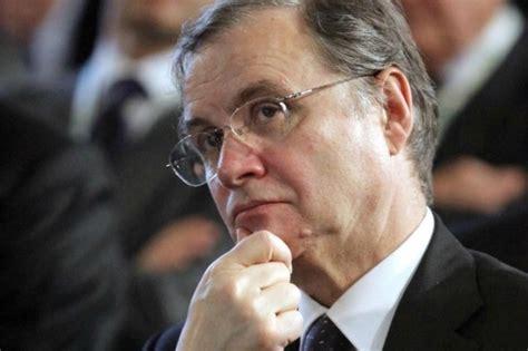 attuale governatore della d italia crisi visco 171 la tunnel 232 vicina ma instabilit 224