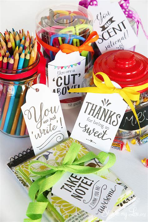 Classroom Gift Ideas - cutest gifts ideas with free printable gift tags