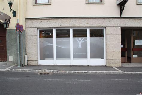 Fenster Bekleben Sichtschutz by Milchglas Folierung Wien Sichtschutz Bekleben