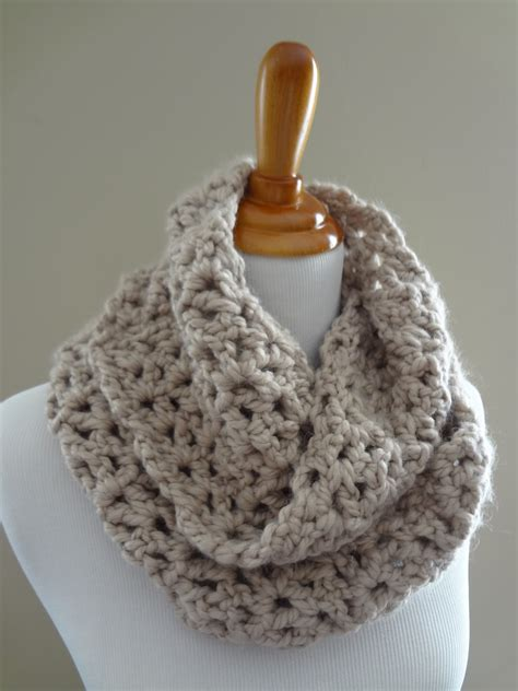 free crochet patterns for infinity scarves fiber flux free crochet pattern pavement infinity scarf