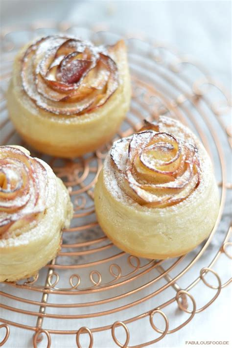 fingertips kuchen apple roses muffins and fingers on