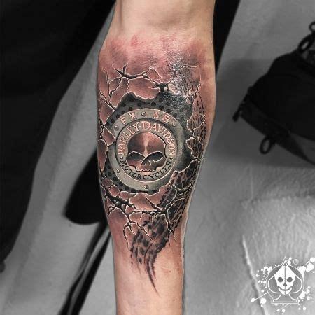 Motorrad Tattoo Frauen by Harley Davidson Logo Schriftart Google Suche Tattoos