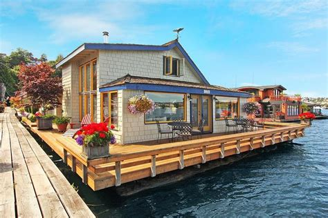 crazy house boats sleepless in seattle houseboat sold popsugar home