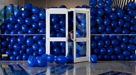 how many balloons to fill a room 50 were asked to walk into a room filled with balloons the result will change your day