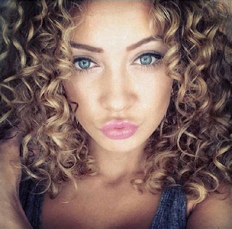 best highlights for curly hair best ideas about curly lady curly hair don t and natural