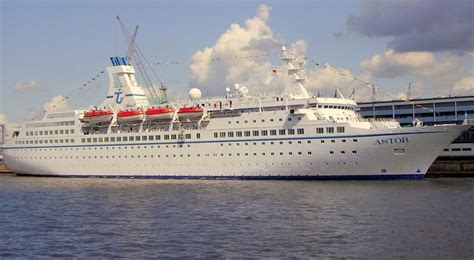 xmas cruises from auckland 2018 cruise and maritime voyages ships and itineraries 2018
