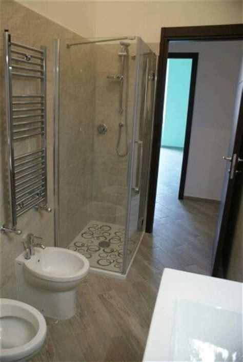 dipingere bagno oltre 25 fantastiche idee su dipingere i mobili bagno